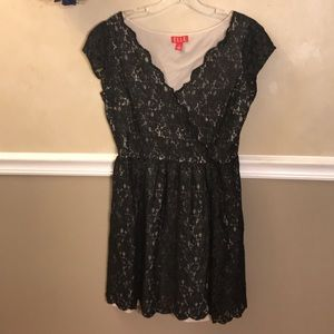 Elle shimmer lace dress